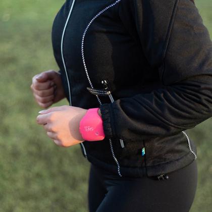 Armband med överfallslarm