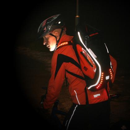 Vattentät ryggsäck med belysning