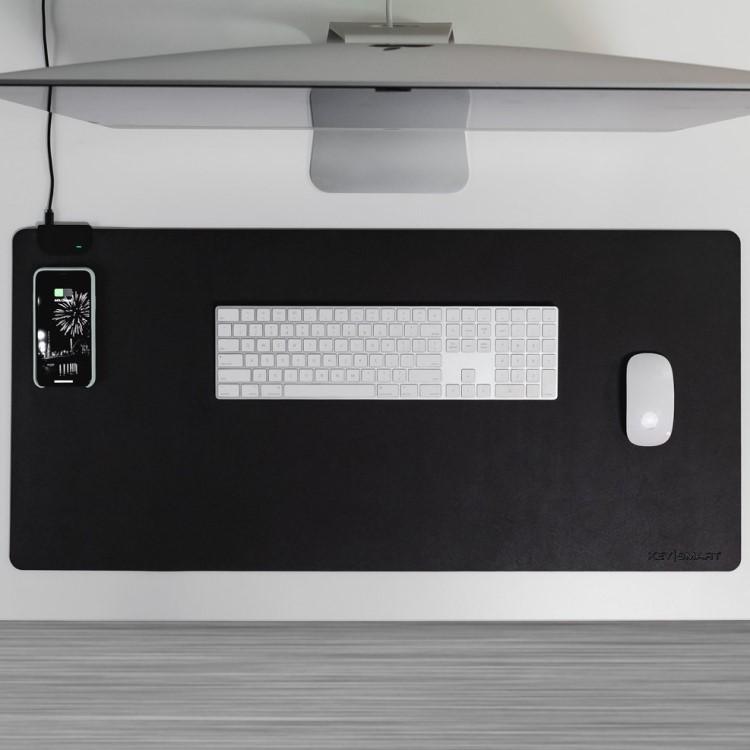 Skrivbordsunderlägg med QI-laddning