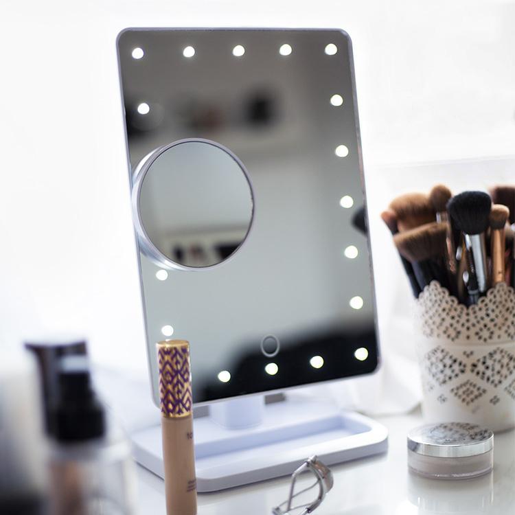 Nya Sminkspegel med belysning - Köp 10x förstoringsspegel | SmartaSaker EC-76